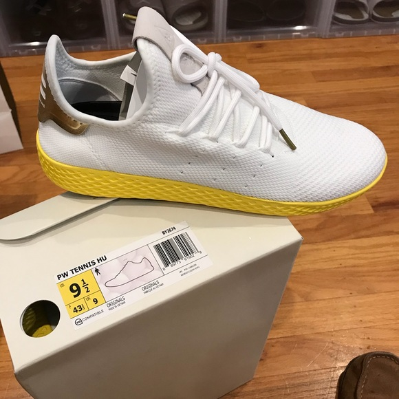 bad0c19b3 Ds Pharrell Williams tennis HU. NWT. adidas